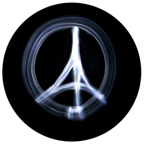 """Peace for Paris"" simbolo dell'attacco di Parigi"