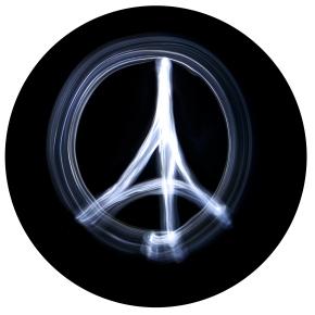 """Peace for Paris"" simbolo dell'attacco diParigi"
